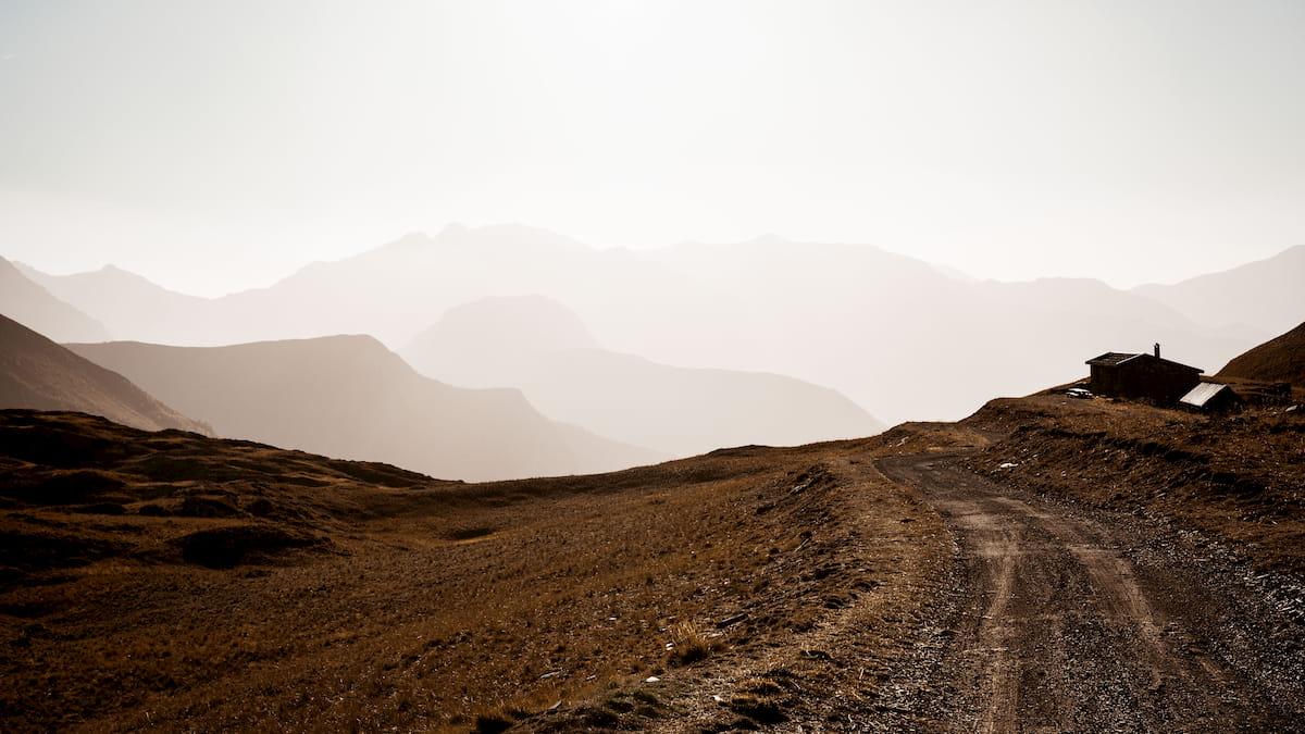 Coucher de soleil au bord des ravins du Plateau d'Emparis Wild Spot photographie aventure spot trip photo