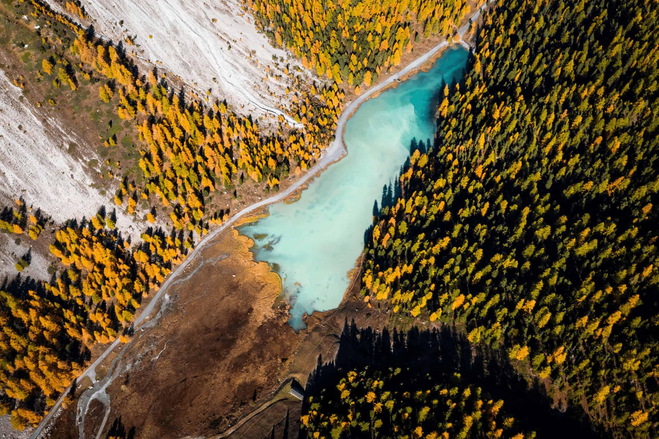 Lac de l'Orceyrette Briancon wild spot Inspiration créative pour amoureux de nature et de grands espaces photographie voyages découverte créative pour amoureux de nature et de grands espaces photographie voyages découverte